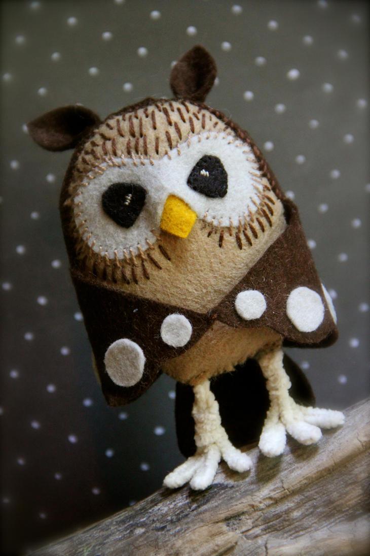 Hooty the Owl by windyautumnmoon