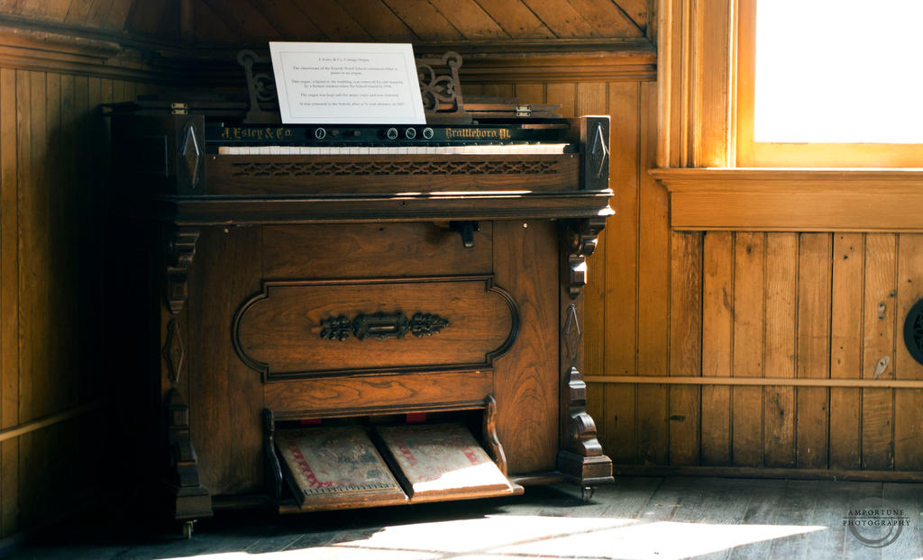 Old Estey and Co Piano by sintar
