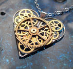Gear Heart Necklace Quiver