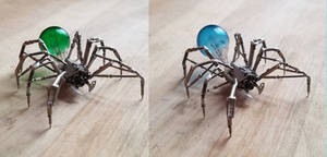 Spider No 82, Blue or Green?