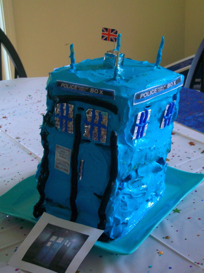 TARDIS Birthday Cake by padfootneverdied on DeviantArt