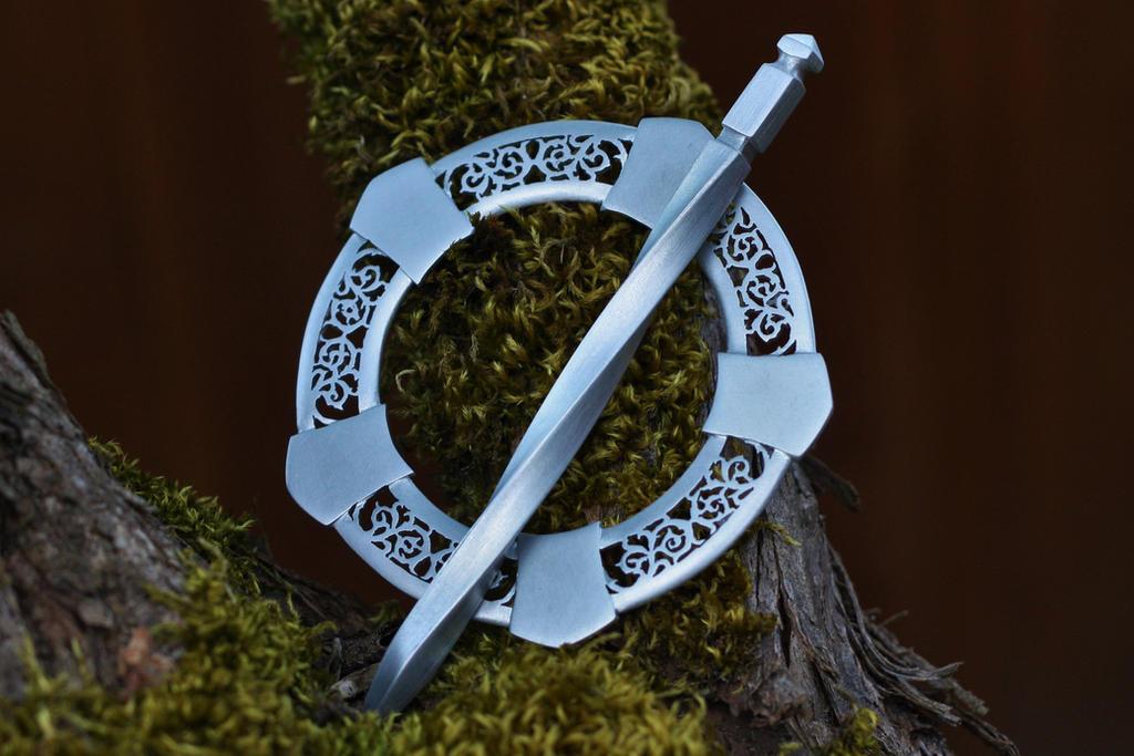 Filigree cloakpin by ChardwolfArmory