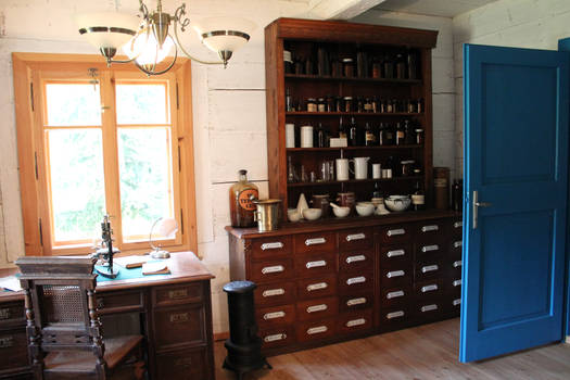 Old pharmacy 02