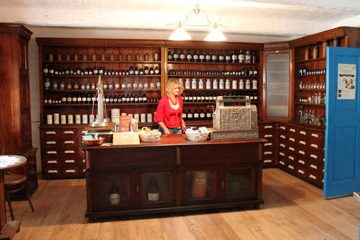 Old pharmacy 03