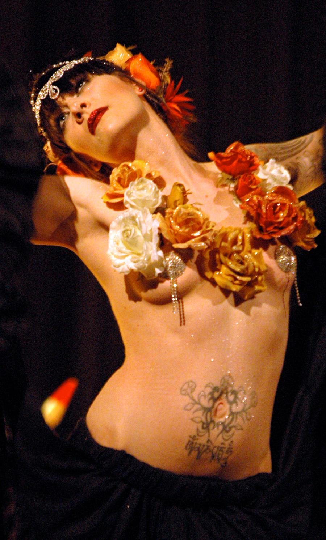 La Petite Morte - Burlesque Dancer