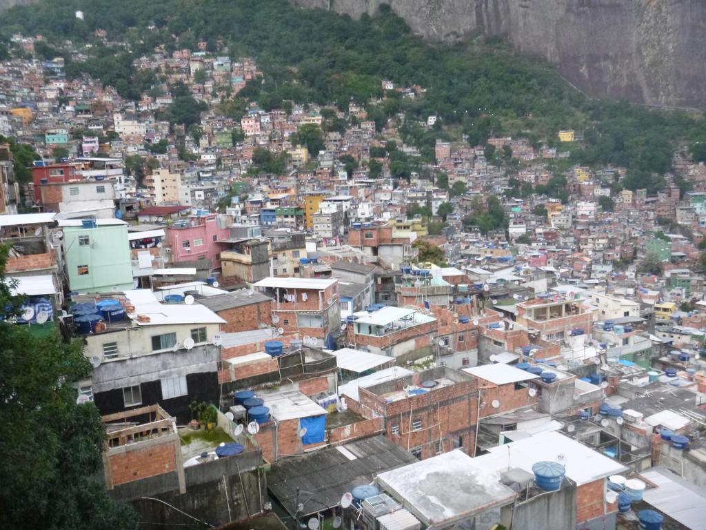 Favela Rocinha 2 by Nitrofires-Revenge