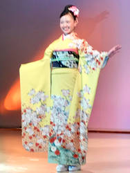 Kimono Show 1 by Nitrofires-Revenge
