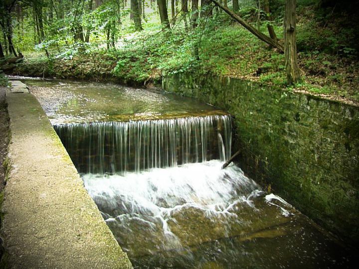Small waterfall by Konrado1984