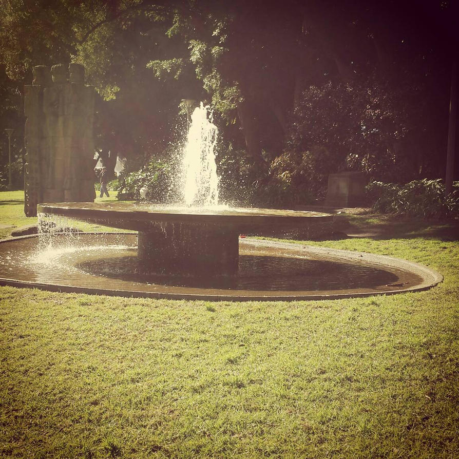 Hyde Park Fountain by Fireflyhikari