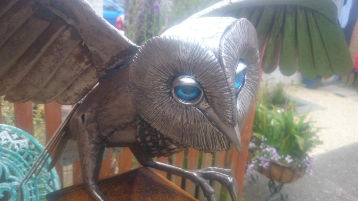 Owl sculpture update by braindeadmystuff