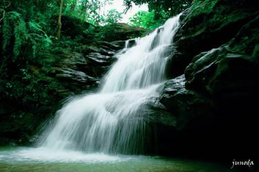 waterfall by JuNoDa