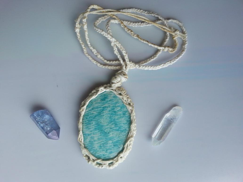 Natural Amazonite macrame pendant by TwinSocks