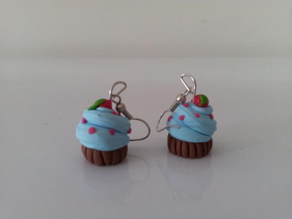 Cupcake earnings by JlouCherryStar