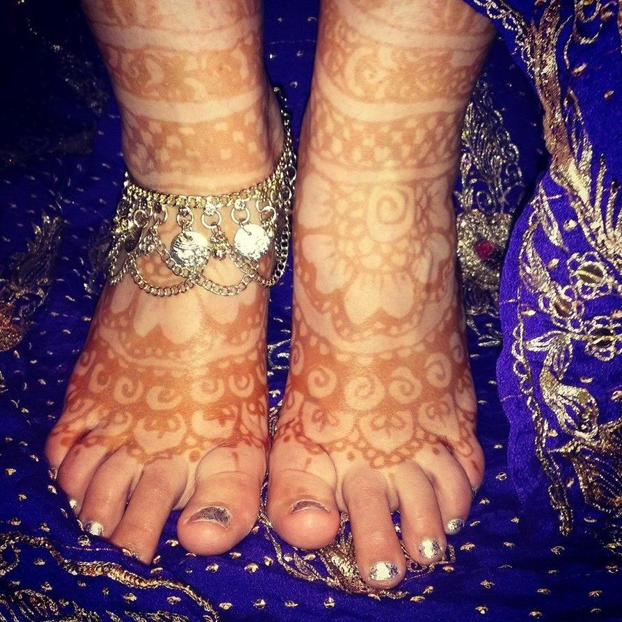Henna Feet by JlouCherryStar