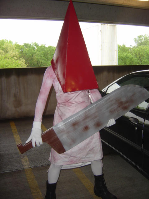 ACEN 2004: Pyramid Head by rhyzz