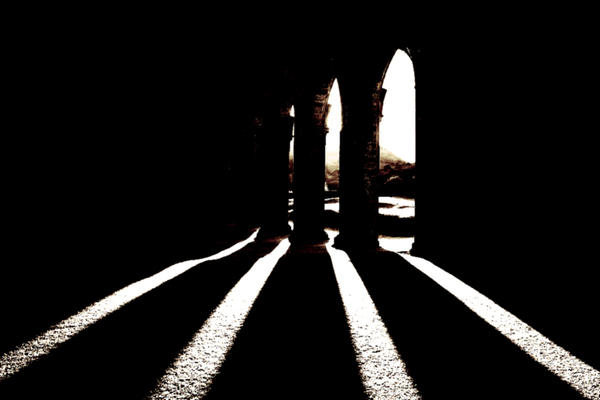 Through the arches by nectar666