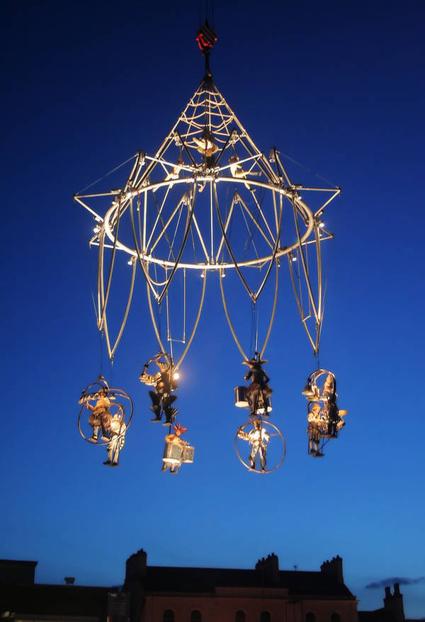 Aerial Performance by nectar666