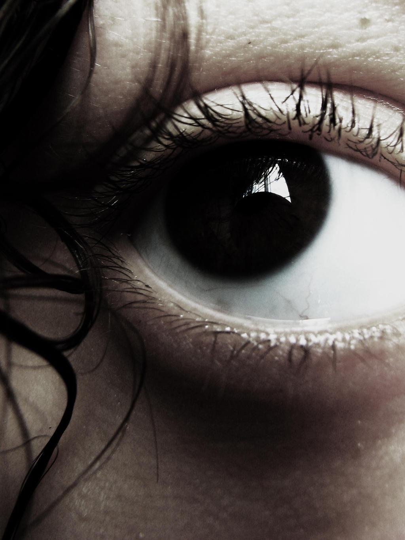 dark eye by pinkpotassium