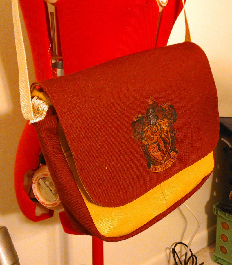 Harry Potter Gryffindor bag Purse by craftysorceress