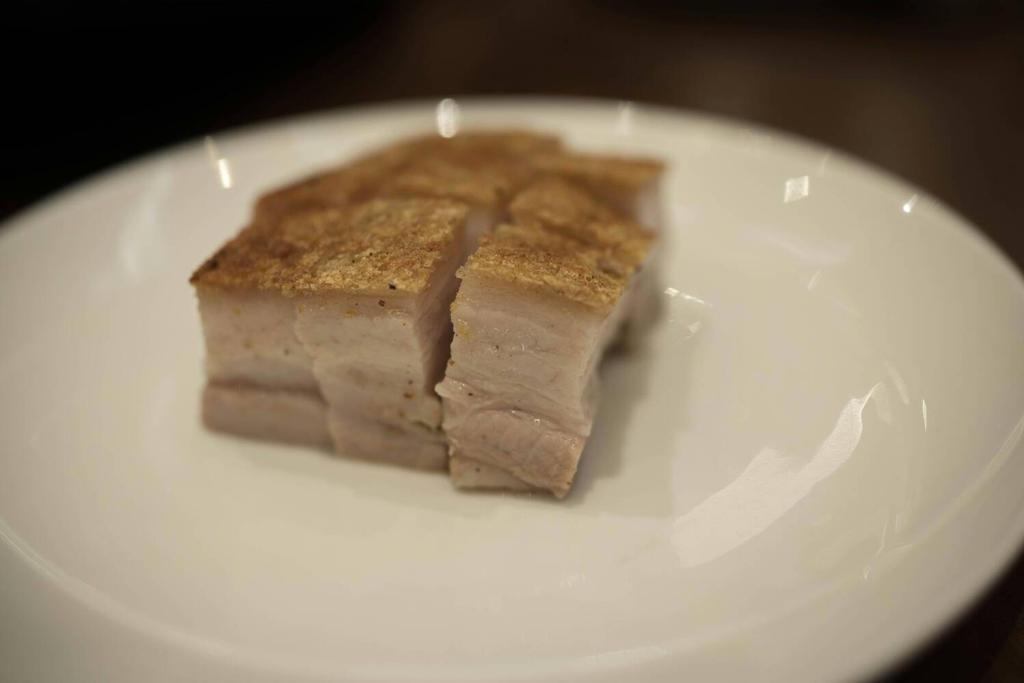 Cracking pork belly by feria233