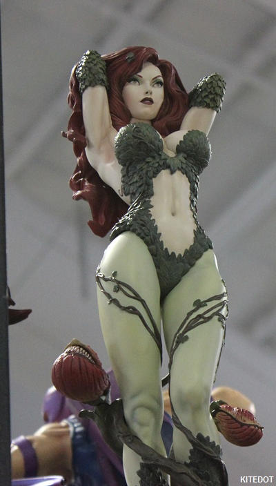 NYCC: Special Edition Poison Ivy figure by Kitedot
