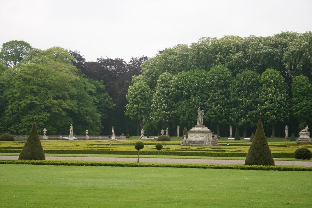 baroque castle park landscape by Nexu4 on DeviantArt