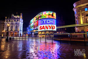 Piccadilly Circus by couleur
