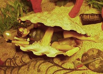 Lara Croft vs giant clam by TeenTitans4Evr