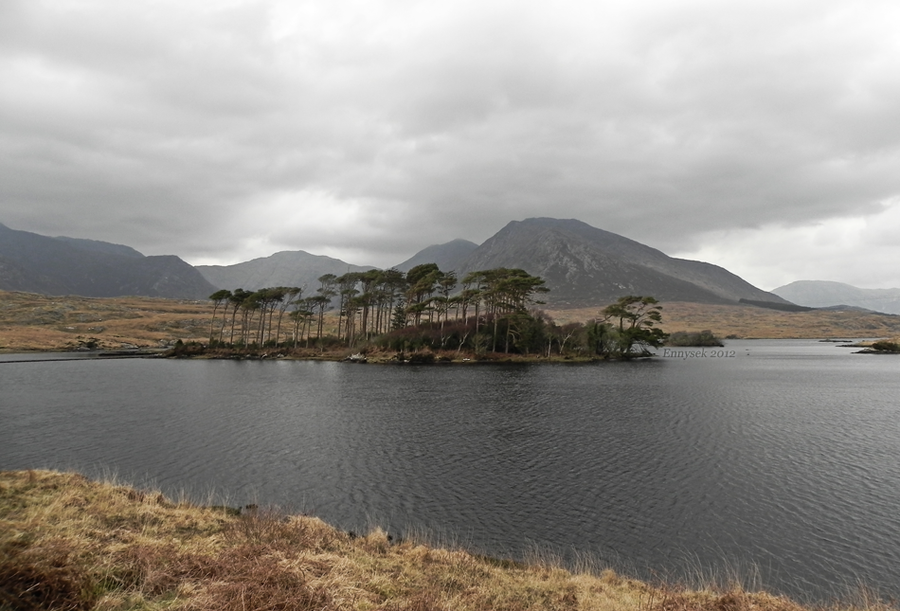 Derryclare Lough by Ennysek