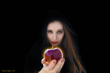 The Apple by nealbing