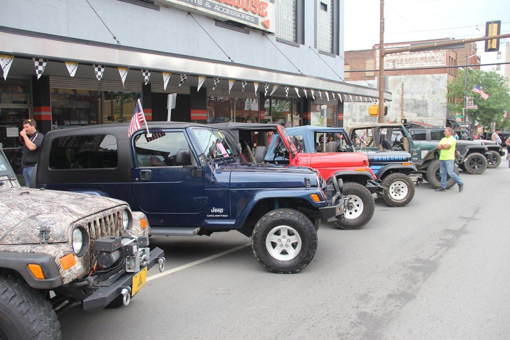 Jeep line up by JAFNOVA