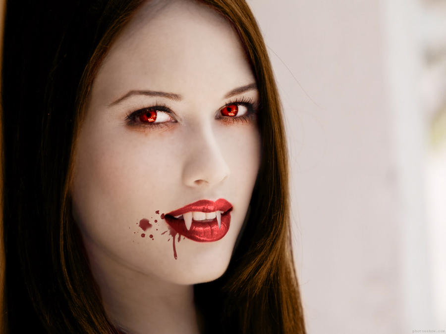 Beautiful Vampire Devi...