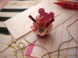 cupcake charm 1.pinkish mickey by Fraise-Bonbon