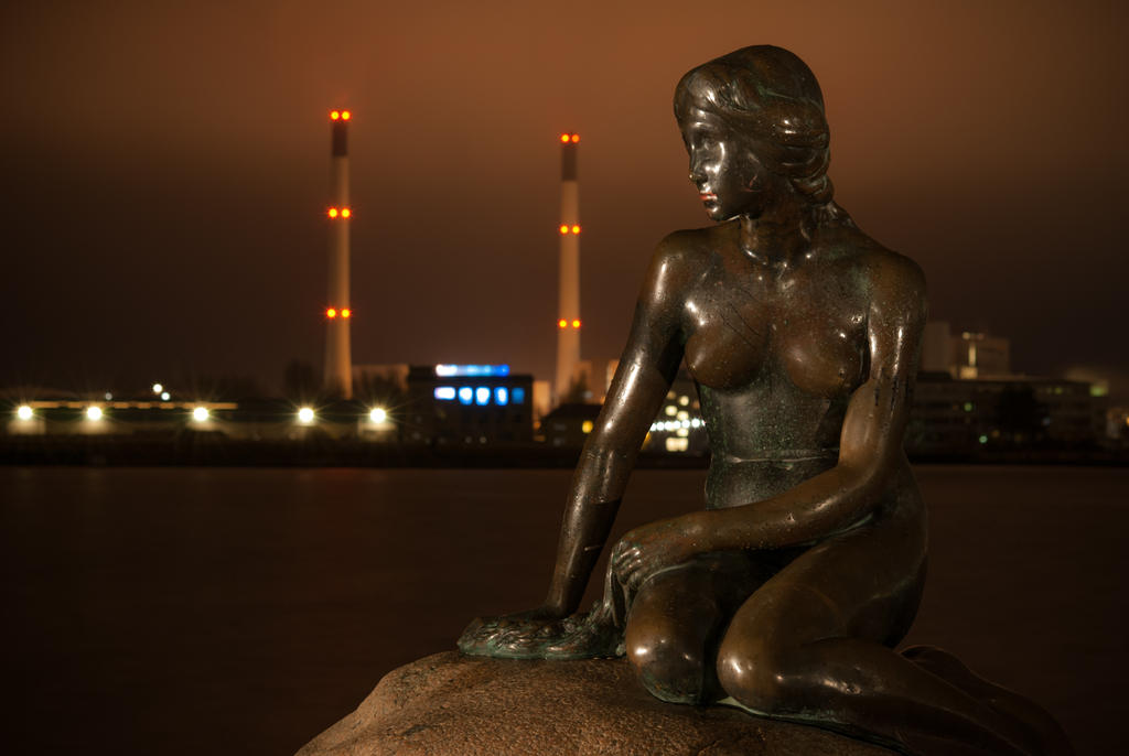 The Little Mermaid and the Modern City by martineriksen