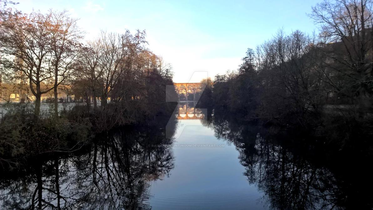 Distant Viaduct. by raumzeitkontinuum
