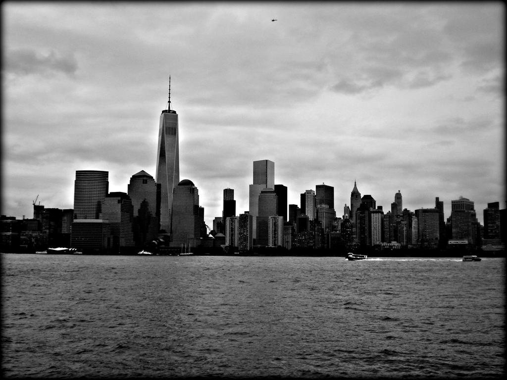 Manhatten Over Yander by BrokenChaoz