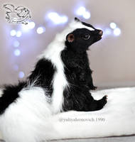 Toy Skunk by YuliaLeonovich