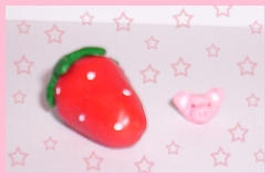 little pig and big strawberry