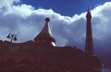 Paris Contrasting