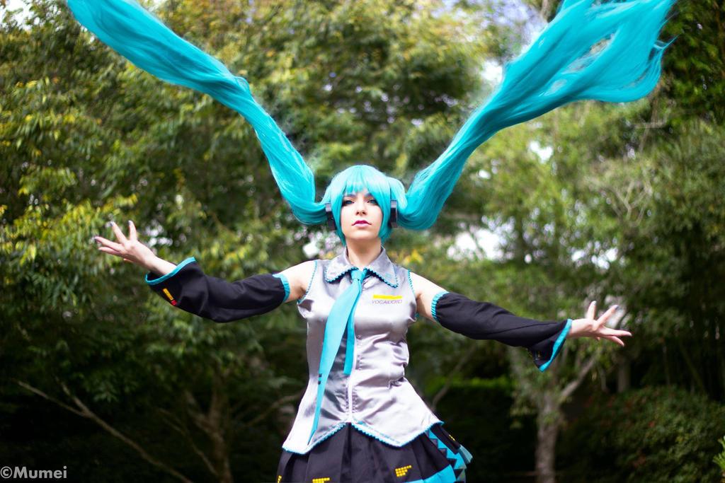 Hatsune Miku by MegaPollen