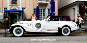 Old White Car by messtwice