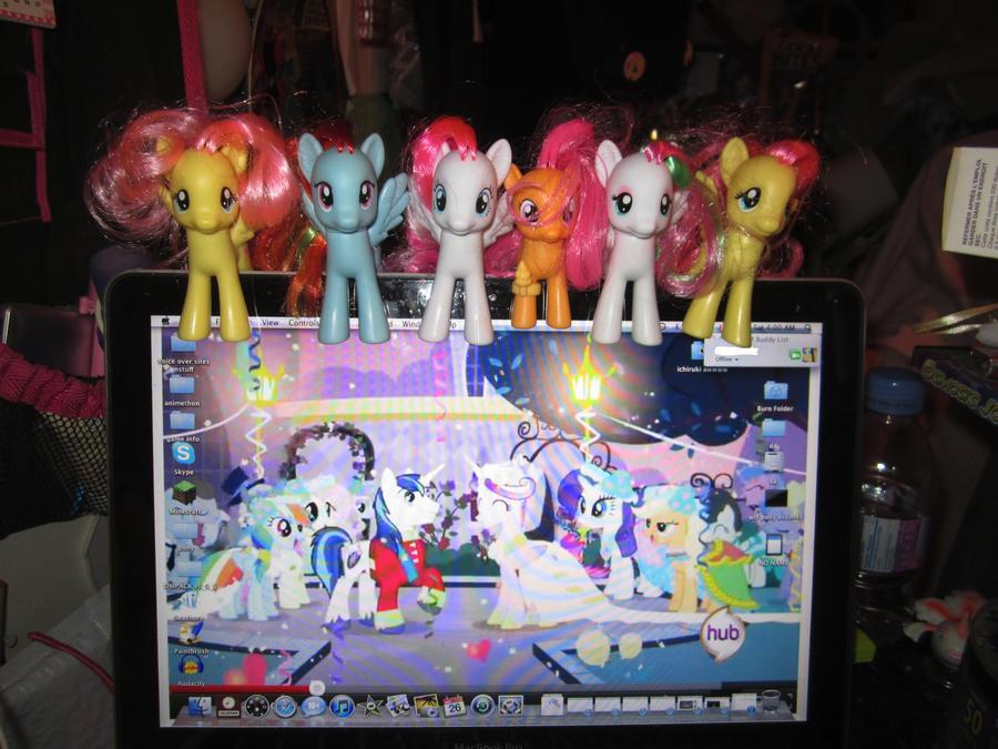 my pony desktop by chappy-rukia