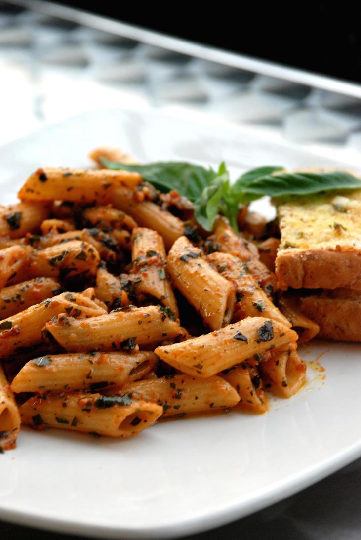 Pesto Basil Pasta by kokobangas