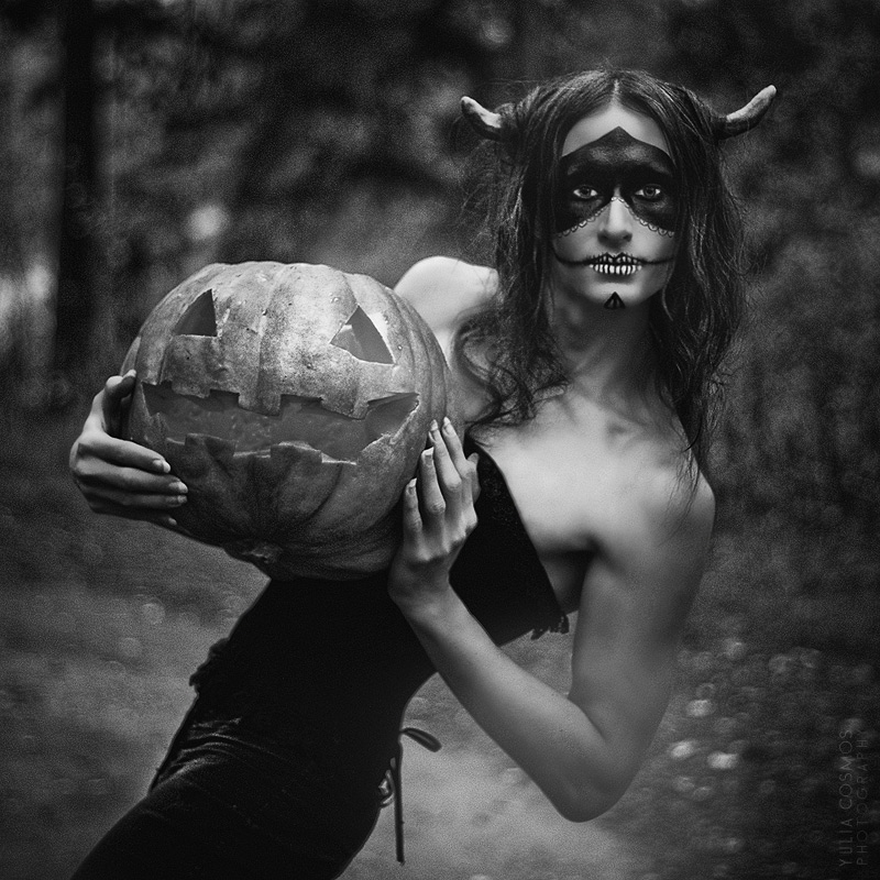 Spirit Halloween by Angel-Thanatos
