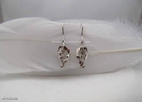 'White magic', handmade sterling silver earrings by seralune