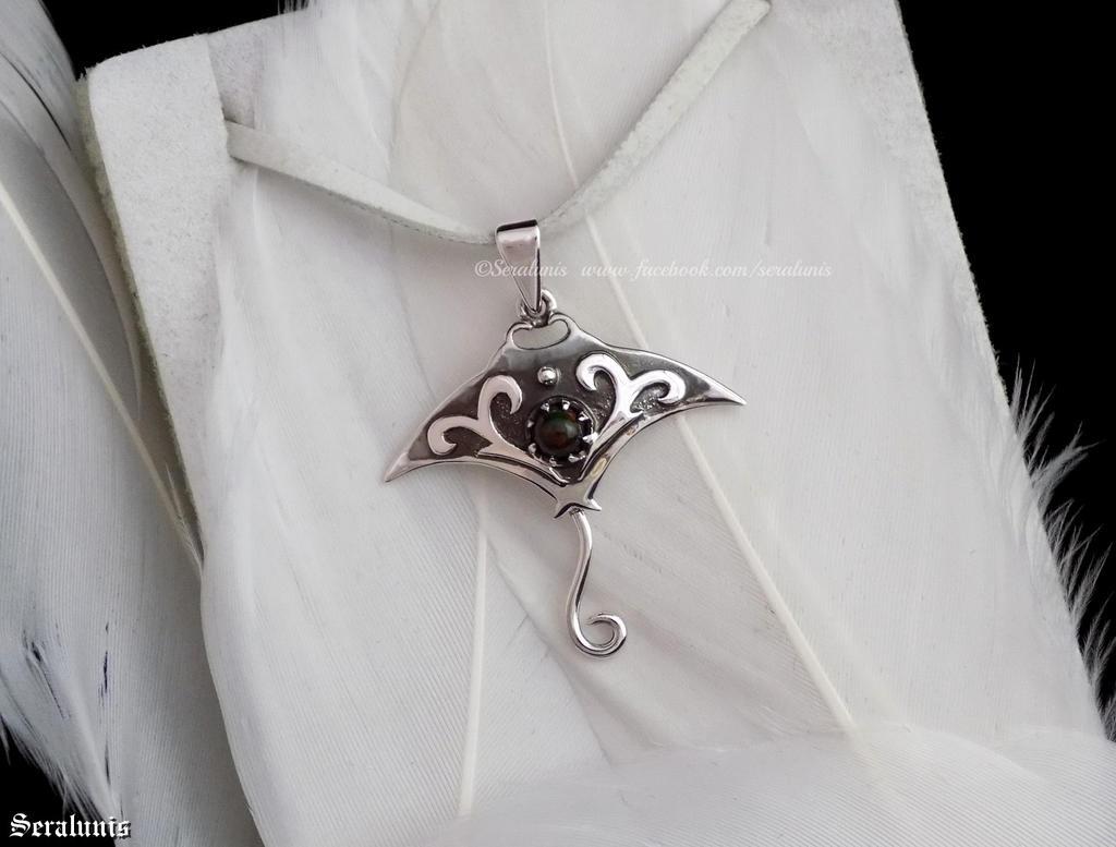 'Stingray', handmade sterling silver pendant by seralune