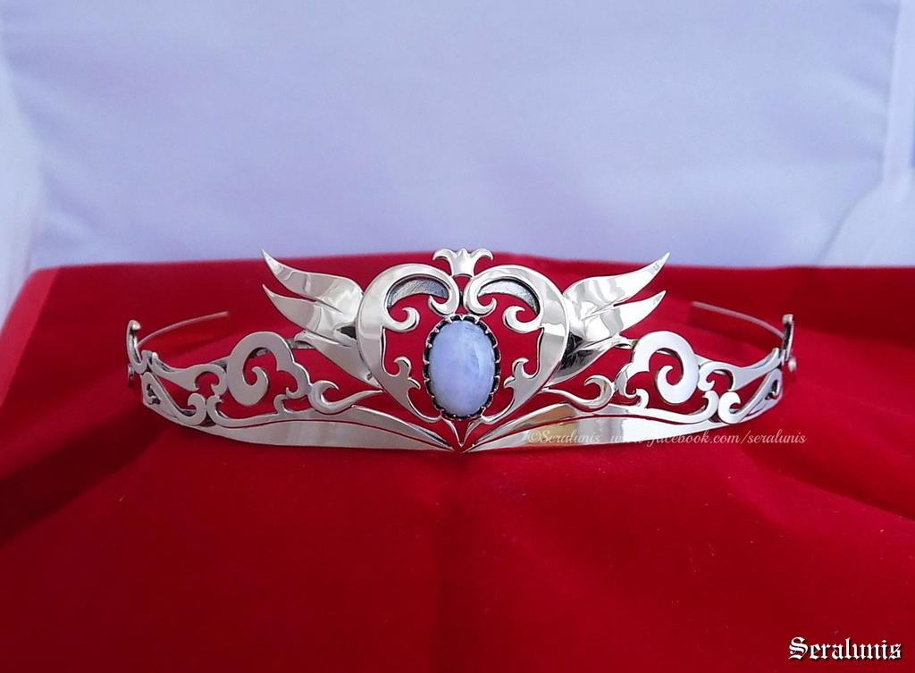 'Princess Serenity' handmade crown by seralune