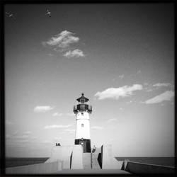 Duluth, MN Lighthouse by junkster78