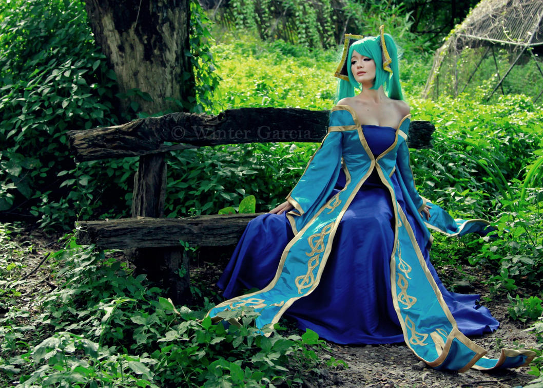 Sona Cosplay (League of Legends) by akuh-asteegh on DeviantArt