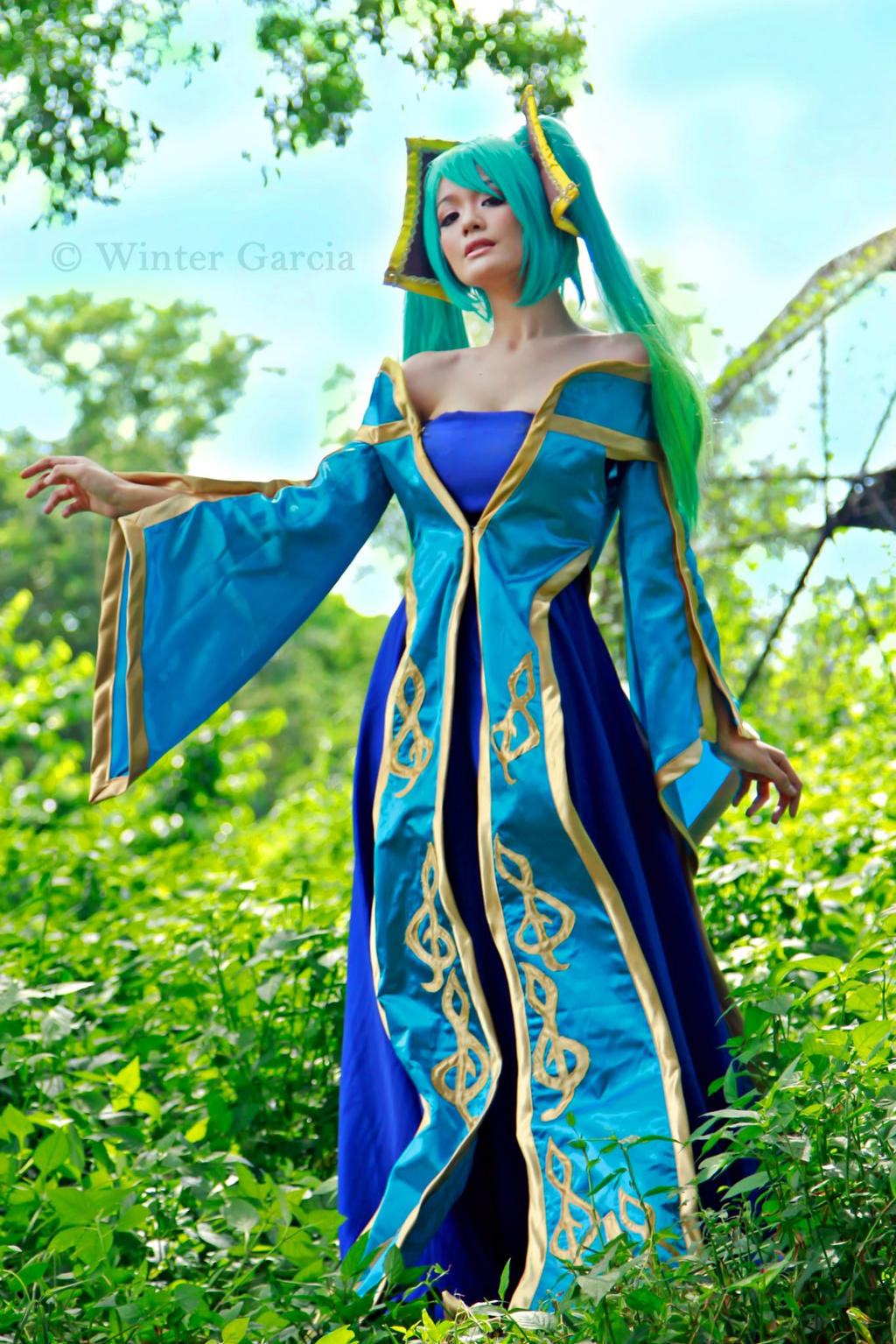 Sona Cosplay (League of Legends) 3 by akuh-asteegh on ...